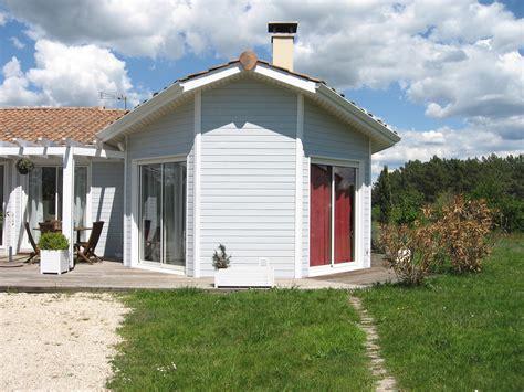 maison de bois prix 100 chalet fuste prix chalets en bois en kit chalet bois terrasse kit chalet bois with