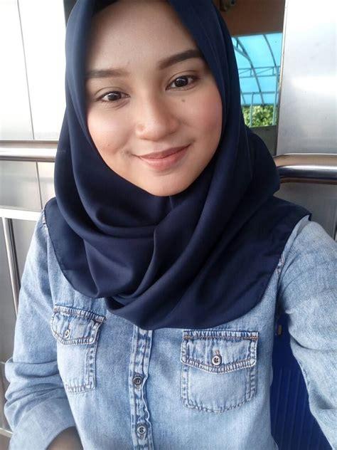Hot Teen Hijab Asian Indonesian Muslim Girl