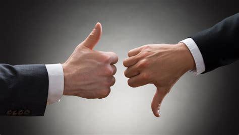 leadership styles advantages  disadvantages