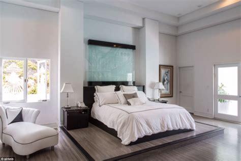 karlie kloss calls luxurious  beverly hills airbnb