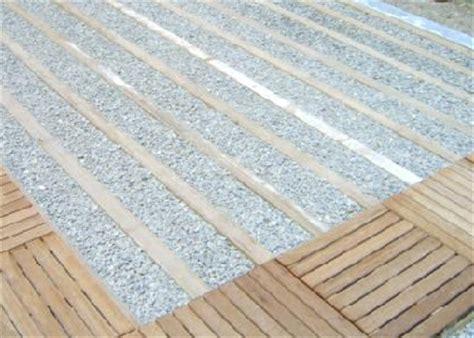 les dalles en bois et caillebotis bois chez et sol fournisseur