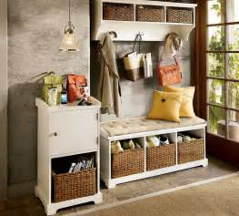 Small Entryway Bench Idea Country And Traditional Entryway Décor To Greet Anyone Entering The House