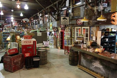 Here Are 11 Of The Best Antique Stores You'll Find In Mississippi Antique Looking Digital Alarm Clock German Beer Steins Value Arts And Antiques War Memorial Baby Bed With Screen Table Lynn Ma Hours Platinum Jewelry Marks Show Malvern Wooden Trunks Chests