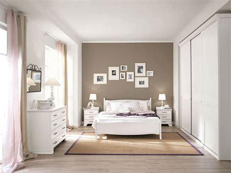 pittura pareti camera da letto classica yr pineglen