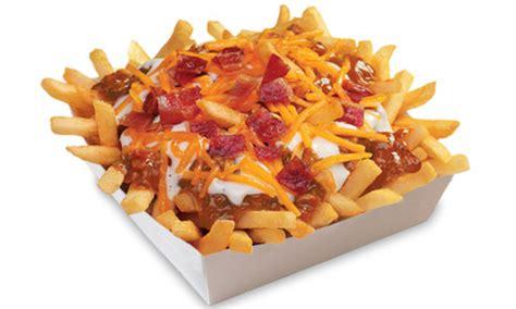 Bacon Ranch Chili Cheese Fries - Wienerschnitzel