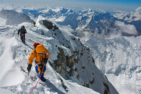 Mount Everest Wallpaper High Quality Wallpapers Mt Everest Will Not Be Climbed For First Time Since 1974 Snowbrains