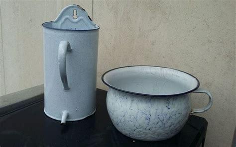 pot de chambre antique pot 224 lavement fontaine et pot de chambre email les