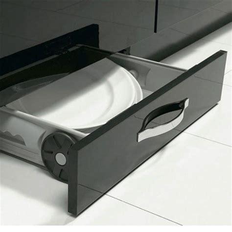 plinthe sous meuble cuisine 17 meilleures idées à propos de nettoyage des plinthes sur