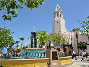 Buena Vista Street - Disney's California Adventure - Buena