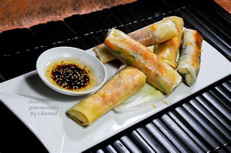 ingredient cuisine moleculaire roll ou nems aux gambas fromage légumes coriandre