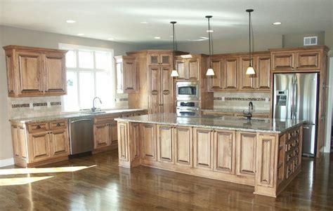 light tan kitchen cabinets light brown kitchen cabinet colors pinterest