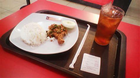 Resep chicken cordon bleu klasik kini. Menikmati Menu Ayam geprek Rocket Chicken Karanganyar   pontren.com