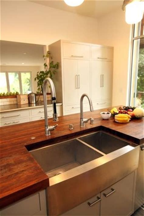 sink fixtures kitchen 24 best images about kitchen and bathroom faucets on 2261