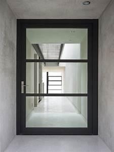 Entry Décor Trend Alert: 24 Oversized Front Doors ...