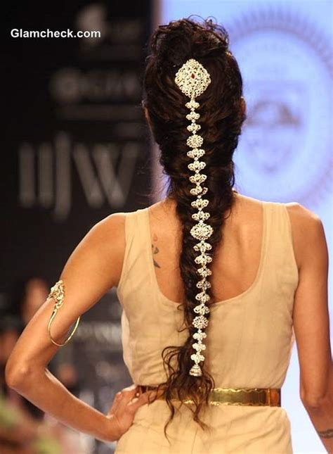 hair ornaments show at iijw 2013 day 3