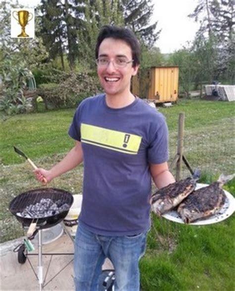 cuisiner une dorade dorade grillée et sa sauce à la portugaise you barbecue org