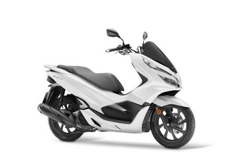 Pcx 2018 Japan by 2018 Honda Pcx125 A Rival To Suzuki Burgman 125 In