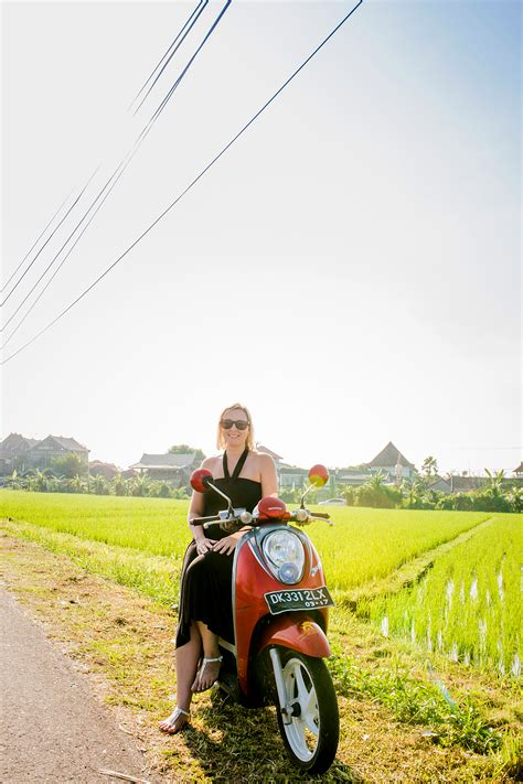 solo travellers guide  bali flytographer