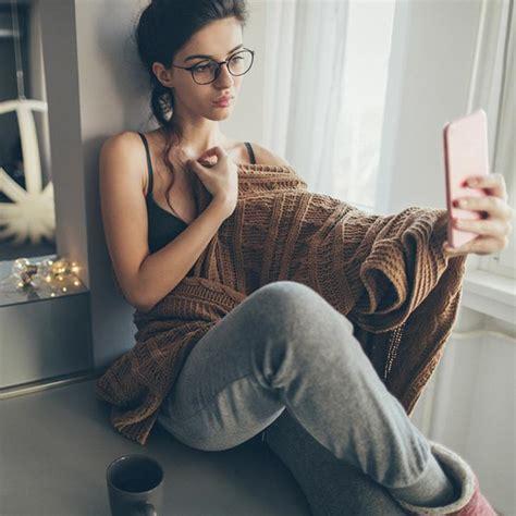 Sexy Selfies 6 Fotos Mit Denen Du Ihn Heiß Aufs Nächste Treffen Machst Cosmopolitan