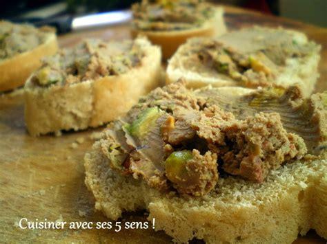 cuisiner des foies de volaille terrine de foies de volaille aux pistaches cuisiner