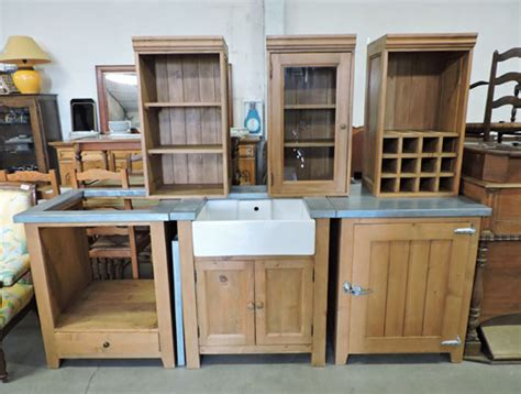 vitrine cuisine ikea meuble de cuisine en pin d occasion table de lit
