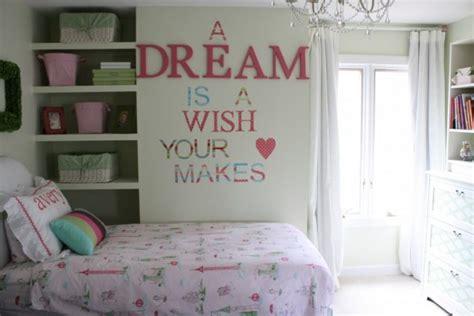 super easy diy decorations  teenage girl dorm room