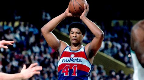 NBA legend Wes Unseld passes away at 74