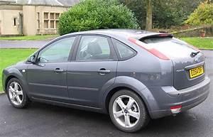 Dimension Ford Focus 3 : ford focus ii 2005 range road test road tests honest john ~ Medecine-chirurgie-esthetiques.com Avis de Voitures