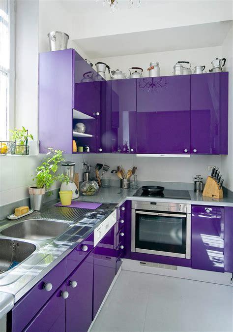 meuble de cuisine à peindre comment peindre les meubles de cuisine avec de la résine