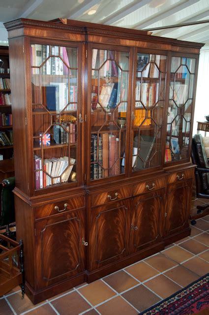 salle de bain dans une chambre bibliotheque style anglais photo 6 10 une bibliothèque