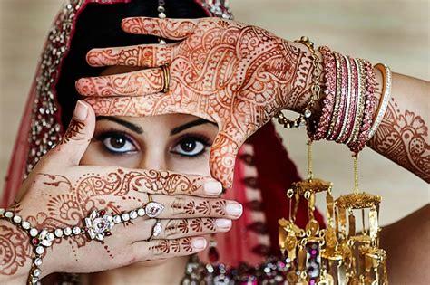 Poses For Indian Brides & Couples Jewelry Exchange Nanuet Ny In Villa Westbelt Plaza Wayne Nj Jensen Beach Online Shop Name Ventura Pk