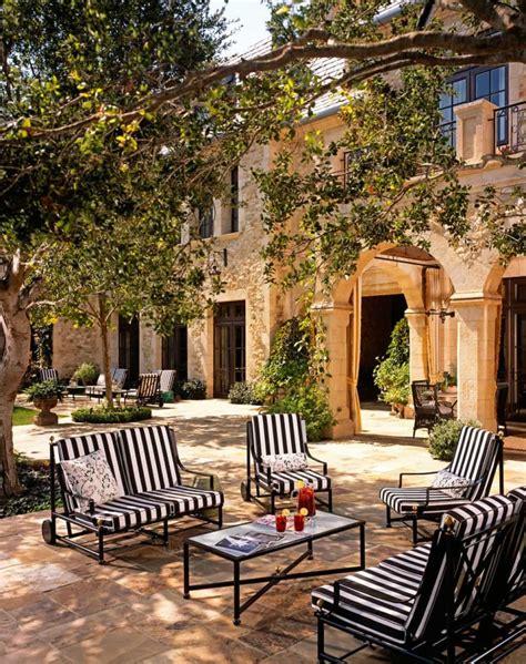 Mediterrane Terrasse Ideen by Create A Beautiful Mediterranean Patio Wearefound Home