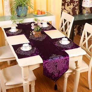 Chemin De Table Moderne : chemin de table moderne amazing chemin de table with chemin de table moderne great decoration ~ Teatrodelosmanantiales.com Idées de Décoration