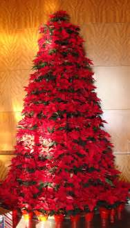live poinsettia christmas tree christmas trees craft ideas pint