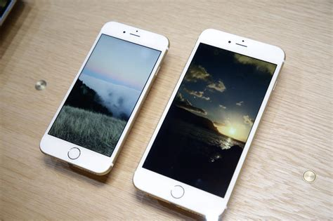 iphone 6 new screen apple supersizes the iphone 6 joins the big screen era at