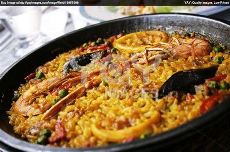 cuisine paella paellea traditional food 130873e jpg 1210 807