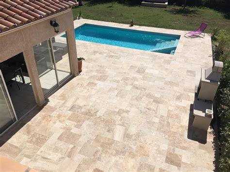 pose carrelage terrasse exterieur 5 terrasse en contour de piscine en opus de travertin