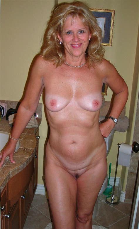 Sexy Mature Nude Women Image