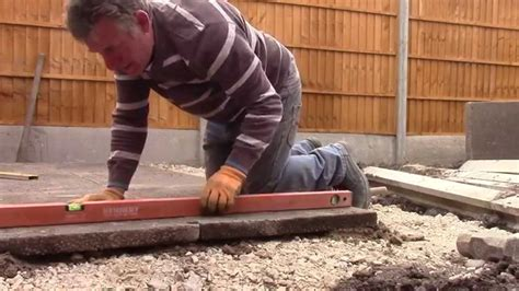 How To Lay Base For Shed by How To Lay 3 X 2 Slabs For A Shed Patio Base