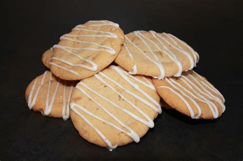 drizzle icing for cookies the cake trail biscuits