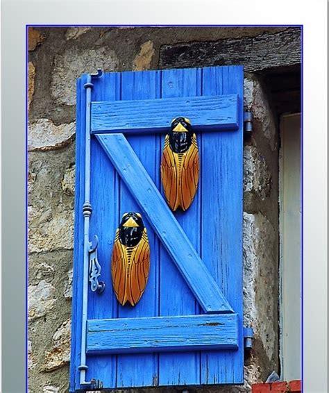 Fluxblog: Cigales et volet bleu en Provence