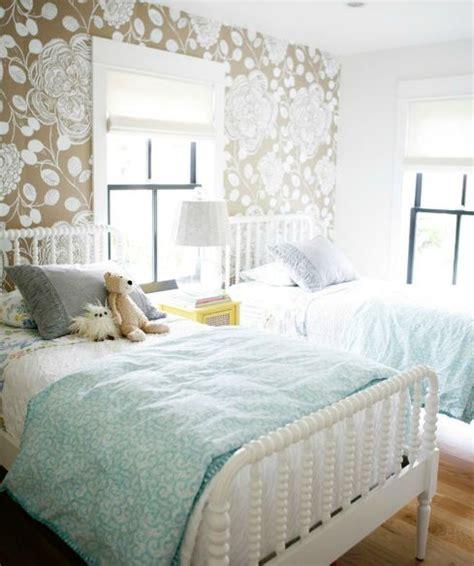 Largescale Neutral Floral Wallpaper & Soft Aqua Bedding