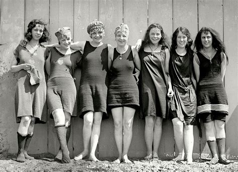Flapper Girls Swimsuits Photo 1920s Flappers Jazz