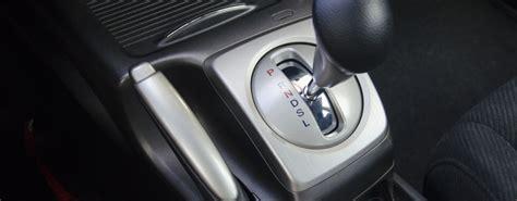 comment conduire une voiture automatique voiture 224 bo 238 te de vitesses automatique comment bien la conduire