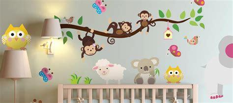 comment décorer chambre bébé fille comment decorer chambre bebe