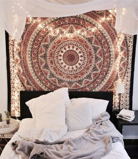 tapestry with lights behind 1000 ideas about tapestry bedroom on pinterest
