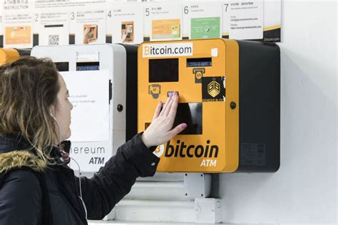 Dow jones gold price oil price euro dollar cad usd peso usd pound usd usd inr bitcoin price currency converter exchange rates. Bitcoin's value crashes and it's taking other currencies with it