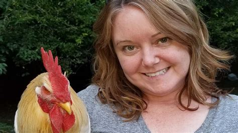 Woman tries to get rid of her 'obnoxious rooster' with ...