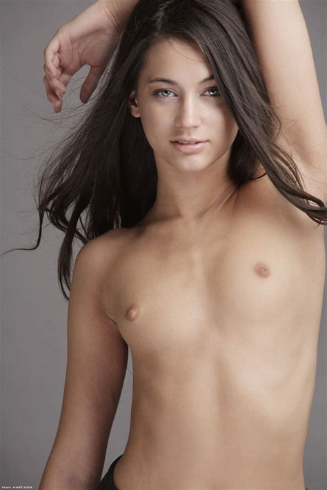 Slender Georgia Poses With Tiny Tits Bare Before Shedding