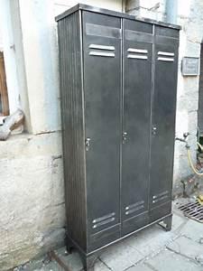 Casier Vestiaire Industriel : vestiaire strafor 3 portes industriel atelier loft 1950 mettetal industry design industriel ~ Teatrodelosmanantiales.com Idées de Décoration